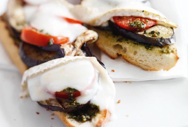 Recept: stokbrood met gegrilde aubergine