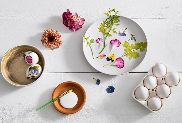 DIY: Eitjes met bloemen en kruiden