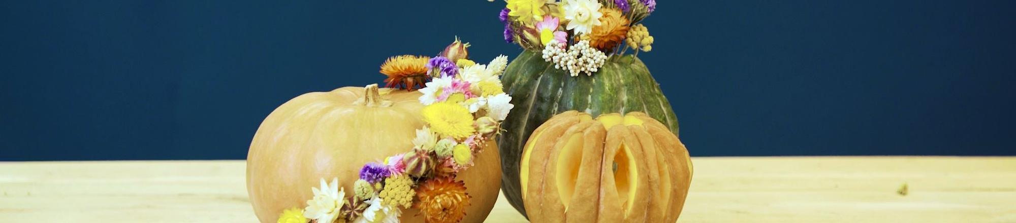 DIY: pompoen versieren met droogbloemen