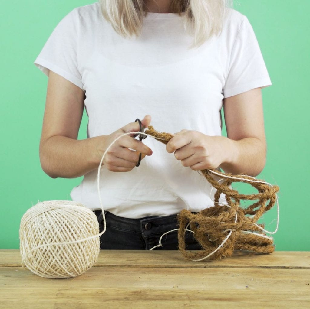 DIY kruidenhanger touw knippen