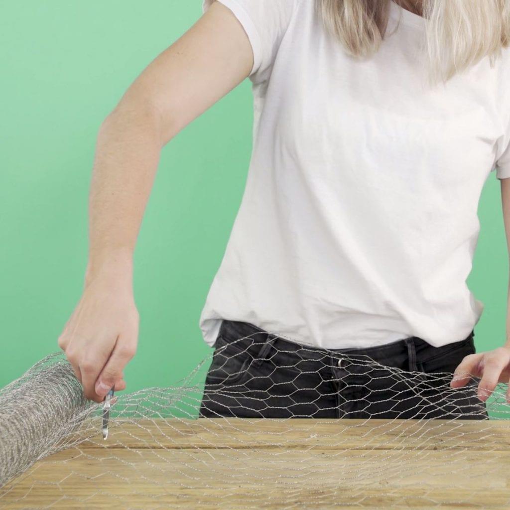 DIY Wilde veldtuin stap 1: Gaas knippen