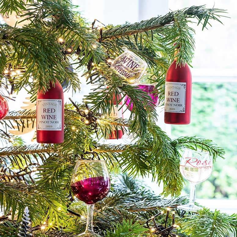 Kerstboom versieren, stap 6: Kerst ornamenten