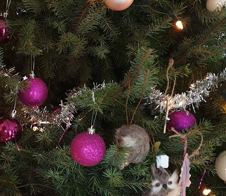 Kerstboom versieren, stap 4: Kerstslingers