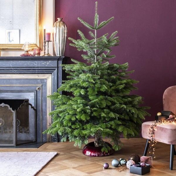 Kerstboom versieren, stap 1: de voet