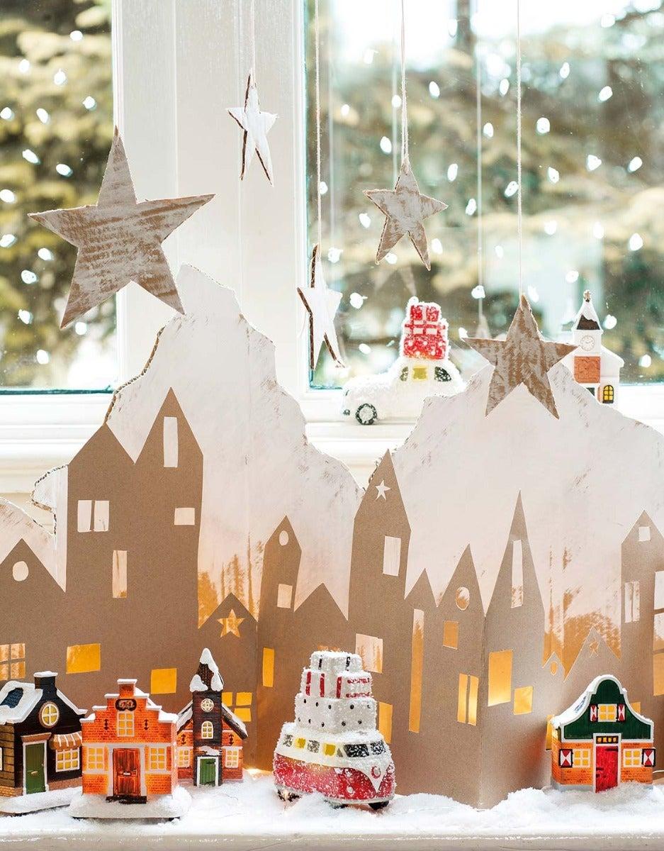 DIY kartonnen kersthuisjes voor raam