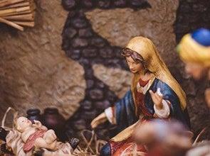 Kerststallen en figuren